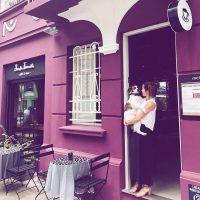 Café para humanos e cachorros oferece cerveja canina em Porto Alegre